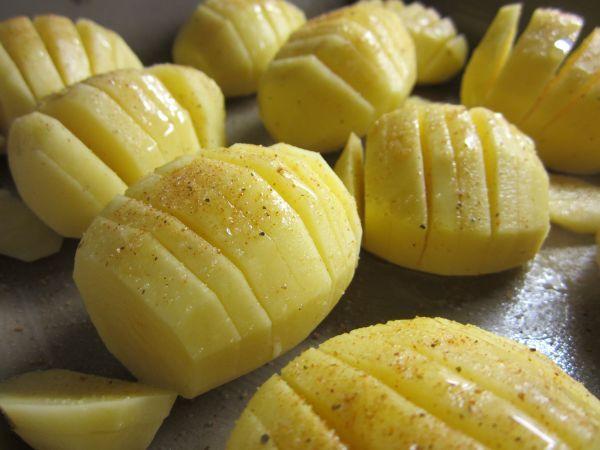 Gefächerte Kartoffeln